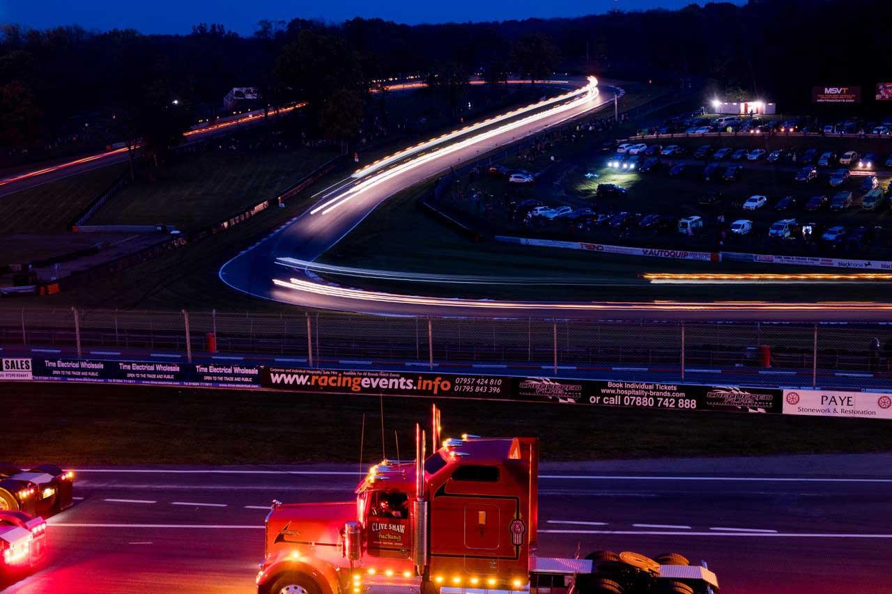 brands-hatch-suite-trucks-night-1